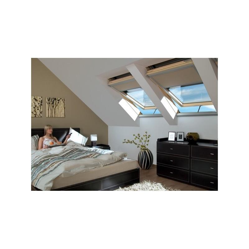 fen tre de toit rotation electrique fakro fenetresdetoit. Black Bedroom Furniture Sets. Home Design Ideas